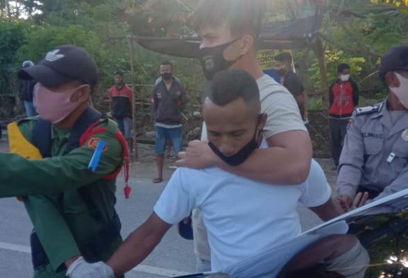 Anggota Polda NTT Tangkap DPO Polres Malaka di Posko Covid, Sindikat Penggelapan Ranmor Antar Negara