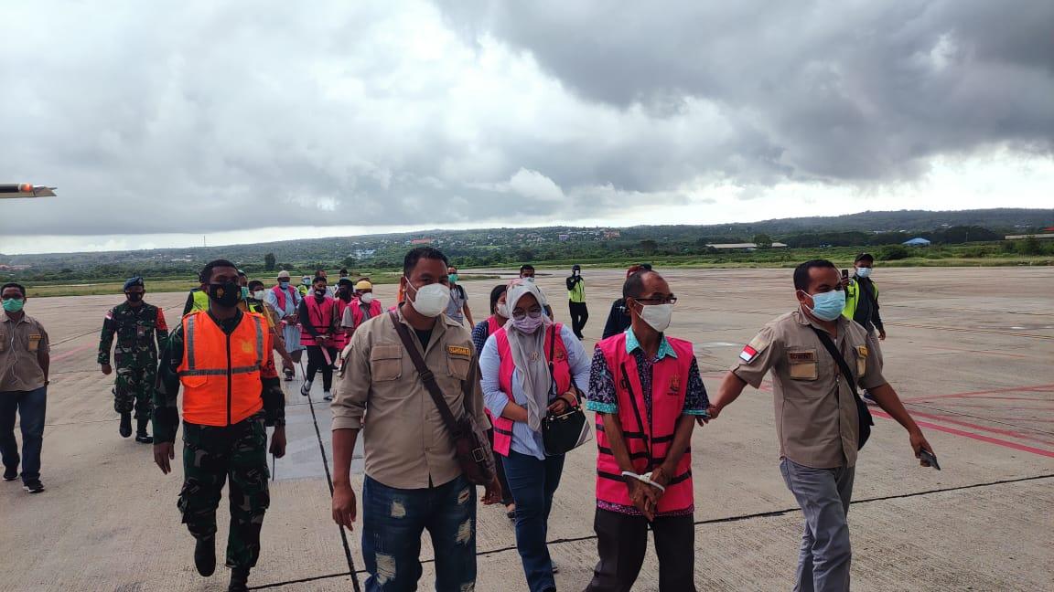 10 Tersangka Kasus Tanah Labuan Bajo Tiba di Kejati NTT, Ada 1 WN Italia